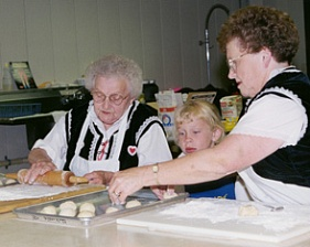 Tabor Czech Days participants making kolaces.